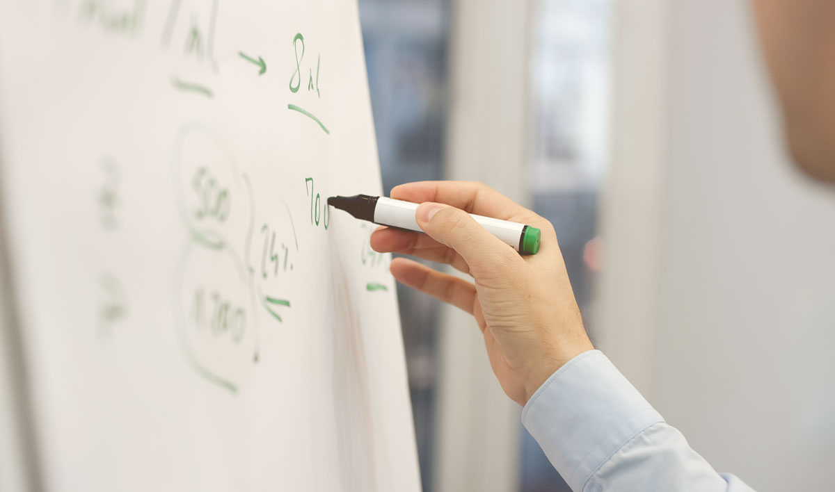 financial-advisors-whiteboard